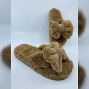 NWT Teddy Furry Slides - Taupe